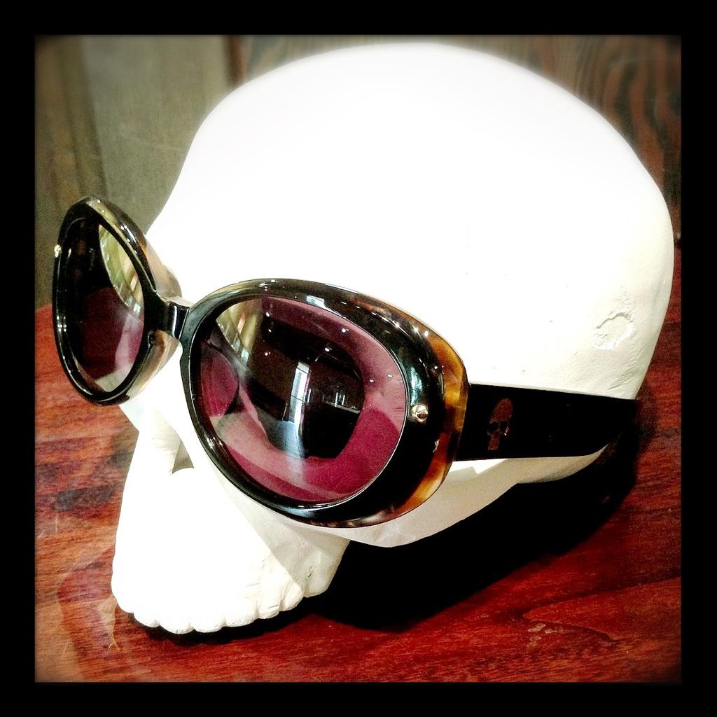 モンキーフリップのサングラス