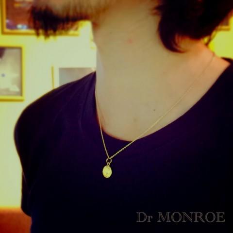 IMG_4592ドクターモンローのk18ゴールドネックレス着用図