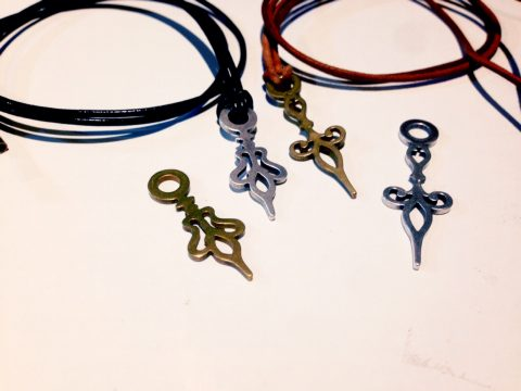 アンティークネックレス、真鍮とシルバー
