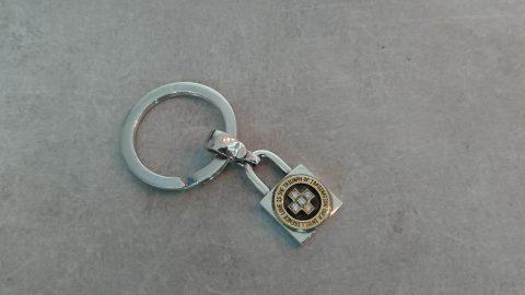 南京錠ネックレス