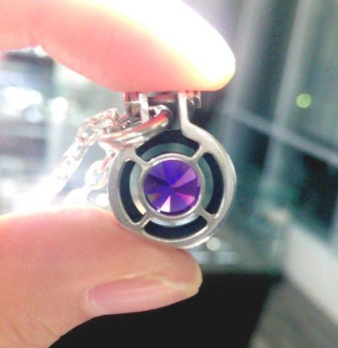 紫の石のメンズネックレス