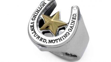 ホースシューと星のリング(星部分はk18金ゴールド)