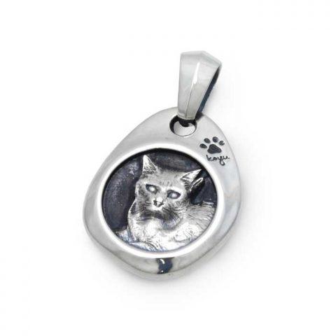 特注のカスタムオーダーメイドの猫ネックレス