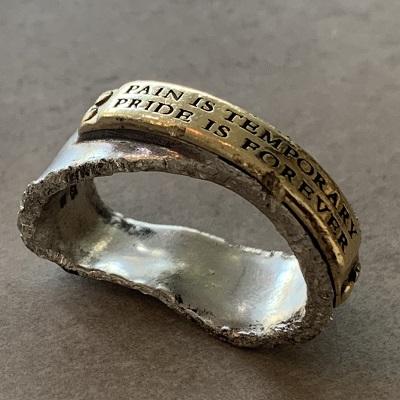 変形直し前の指輪