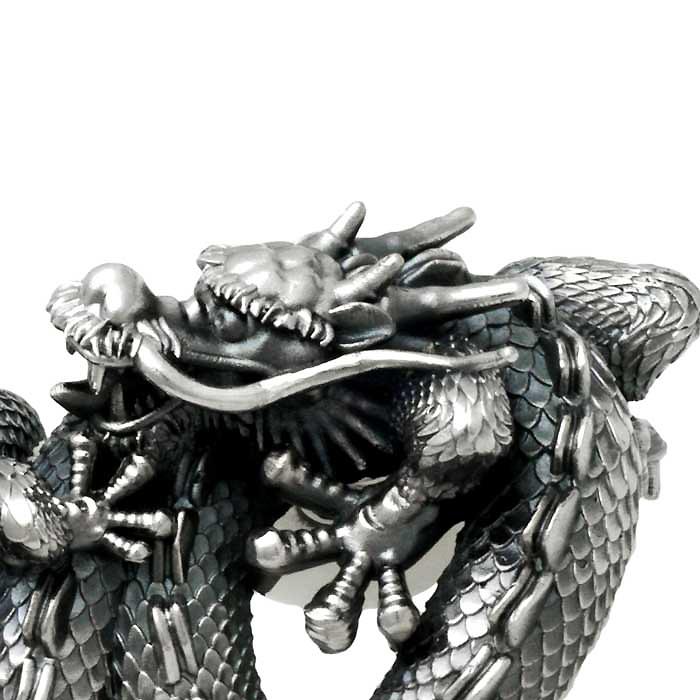 龍オーダーメイドのリング、顔