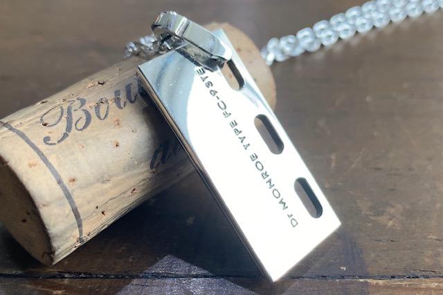 ドクターモンローのドラマで使われたネックレス