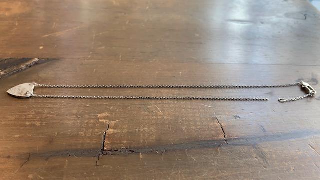 グッチのハートネックレスの修理前