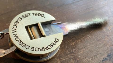 カスタムキーヘッド、スカルで真鍮タイプ
