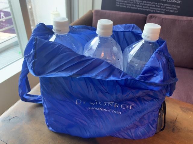 ドクターモンローのショッピングバッグ