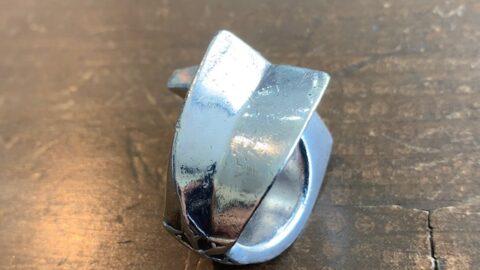 クロムハーツのリングの傷取り修理前