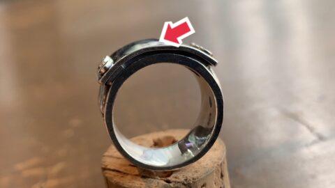 指輪のへこみ修理前