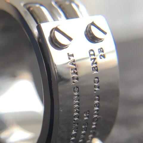 指輪の文字彫り、fc49