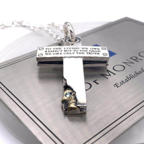 To the living we owe respect necklace カスタム