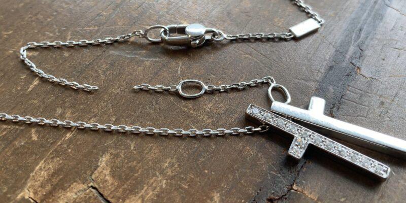 グッチのネックレスのチェーン切れ修理前