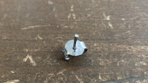 グッチのピアスの針折れ修理前