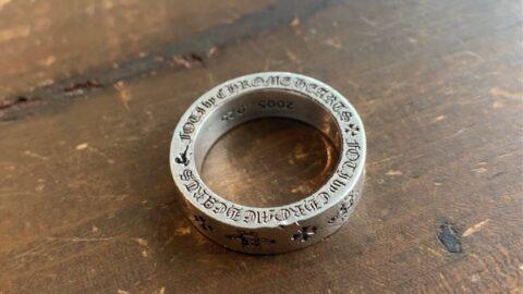 クロムハーツの指輪の傷取り修理前