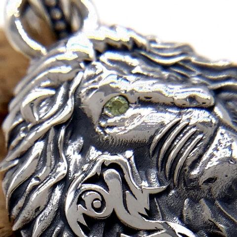 オーダーメイドのライオンネックレス